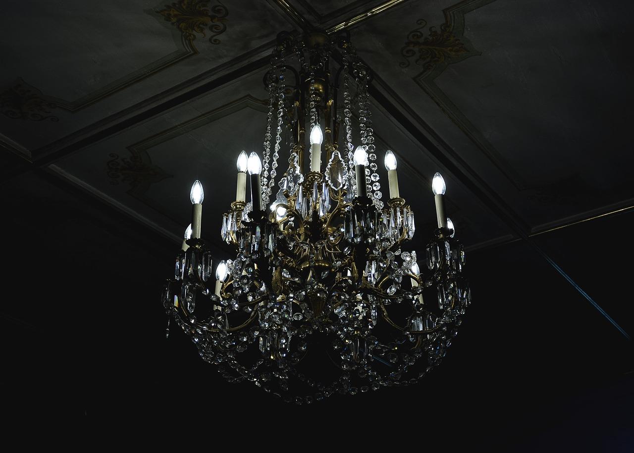 Lampadari in vetro di Murano, diamo nuova luce al nostro arredamento